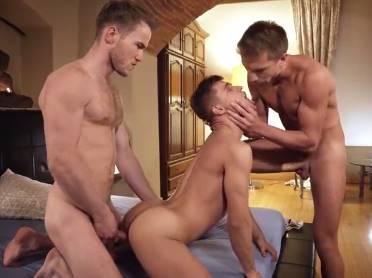Sexo entre boys