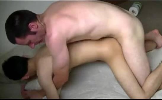 comendo o filho gay